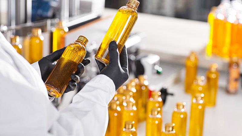 Photo de bouteilles dans un laboratoire